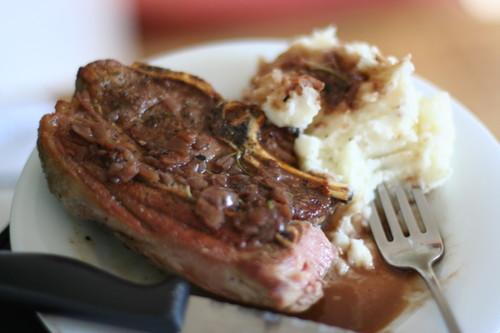 Lamb_chop_and_mashed_potatoes